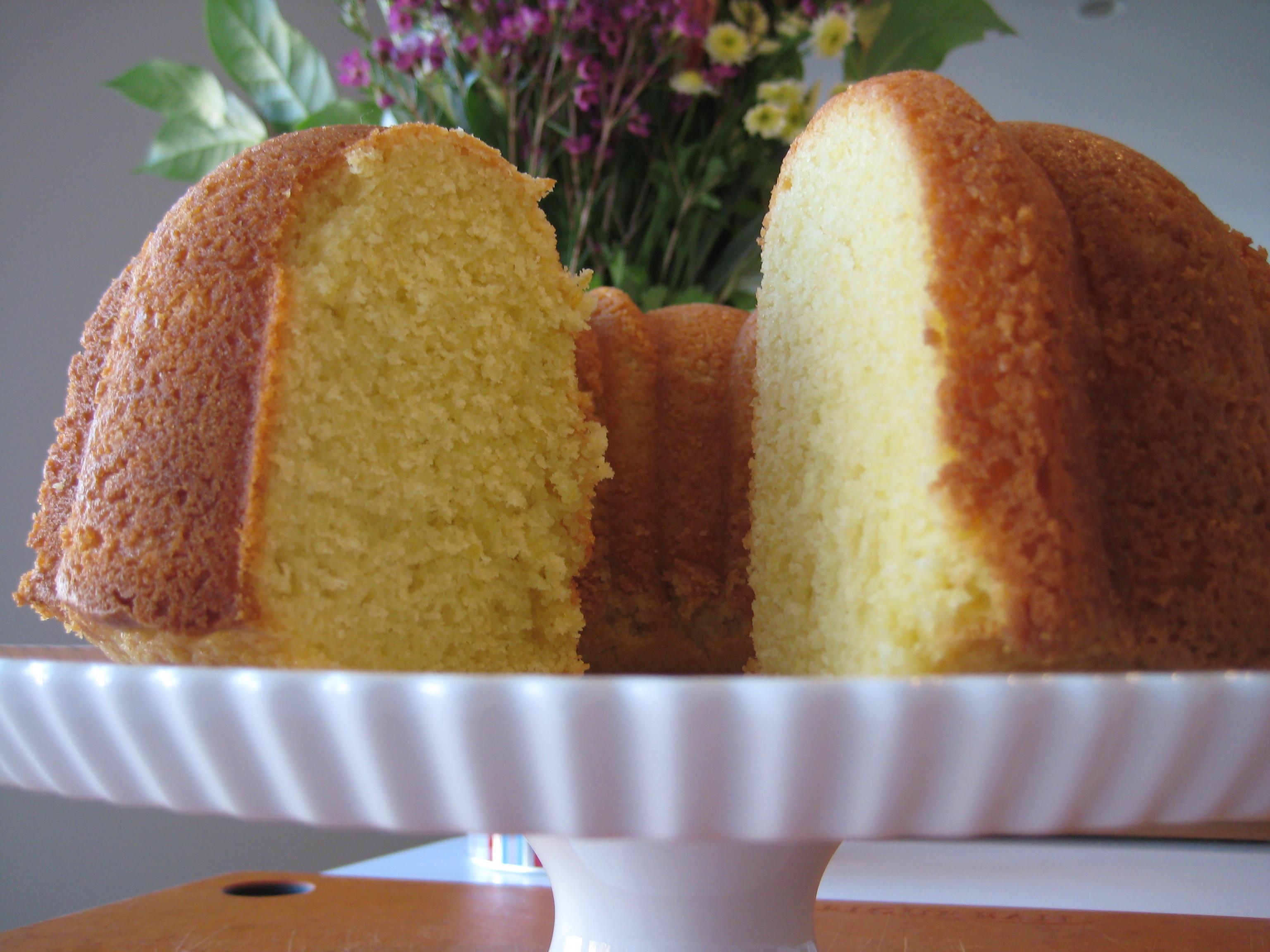 Lady Bird Johnson Lemon Bundt Cake
