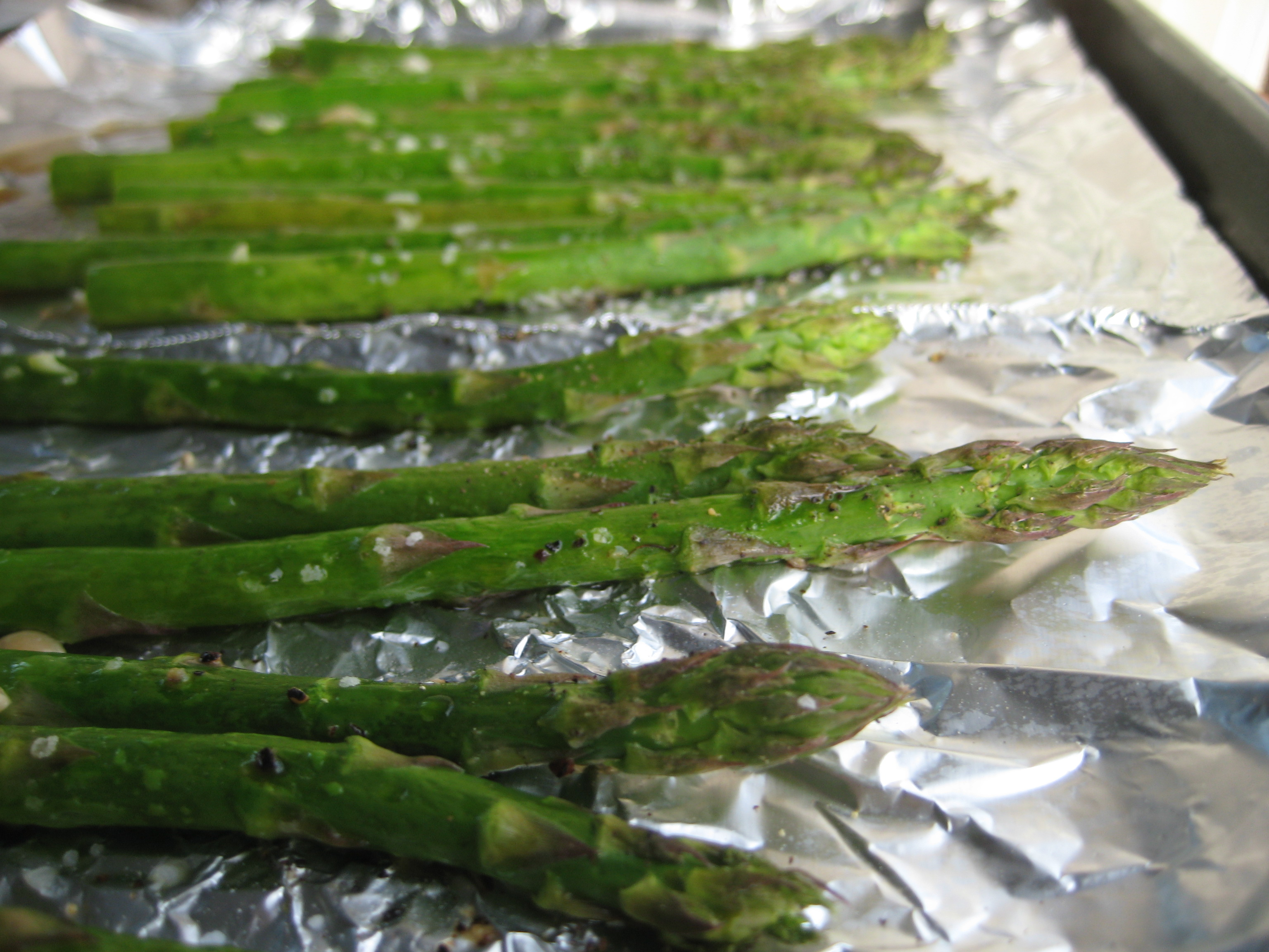 how to cook asparagus in the oven with olive oil